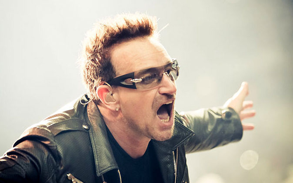 Apple and U2 experiment with VR