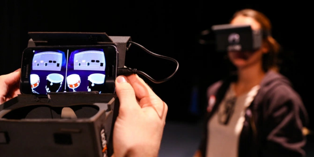 """""""Teach-U: VR"""" A Tech Developed By Students Helps In Learning Music"""