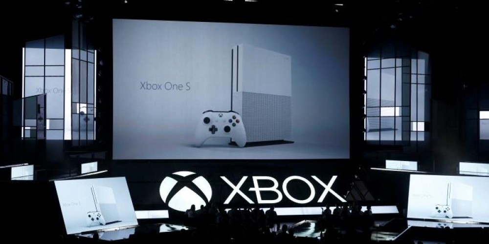 MICROSOFT UNVEILS NEW VIRTUAL-REALITY GAMING CONSOLE